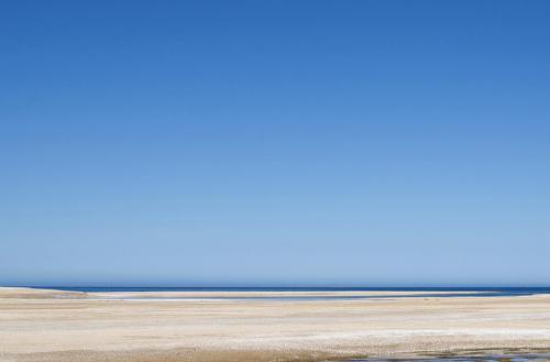 Himmelblau am Strand