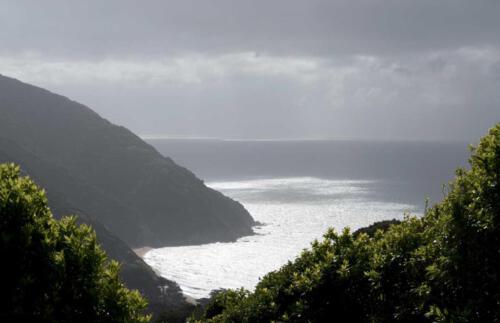 Neuseeland-Berge-Meer-Abend