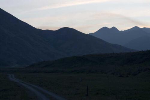 Neuseeland-Tal-Berge-Abend-Strasse-Feuerwolken